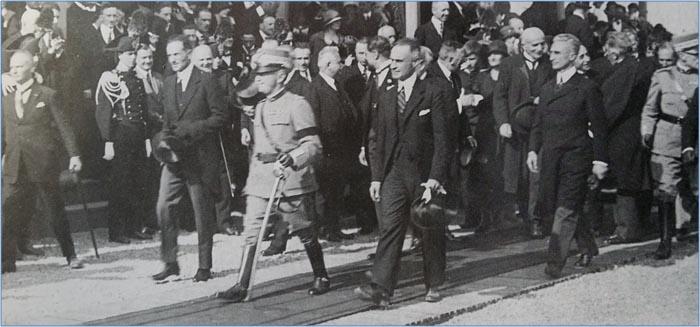 Mostra 31.8-20.9.2014, La prima Autostrada del mondo – 21 Settembre 1924
