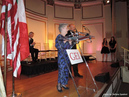 "Amalia Ercoli Finzi riceve il ""Gei Award"" – New York, 16 aprile 2015"